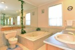 ensuite at 2289 138a Street, Elgin Chantrell, South Surrey White Rock