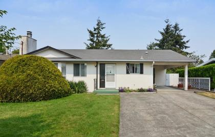 15517 17 Avenue, King George Corridor, South Surrey White Rock